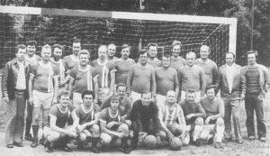 Bild entstand 1977 bei einem Spiel gegen Oberlinder Alte Herren